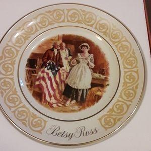 Avon Betsy Ross plate 1973
